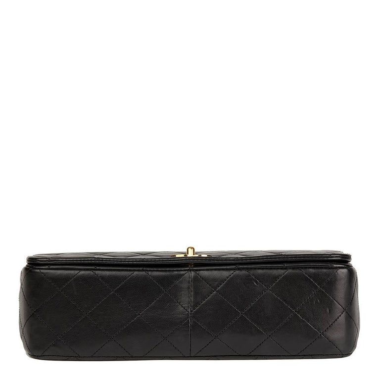 Women's Chanel Black Quilted Lambskin Vintage Small Classic Single Full Flap Bag For Sale
