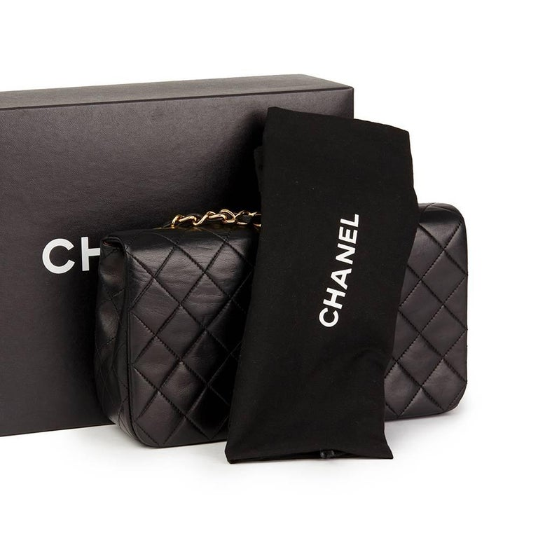 Chanel Black Quilted Lambskin Vintage Small Classic Single Full Flap Bag For Sale 5