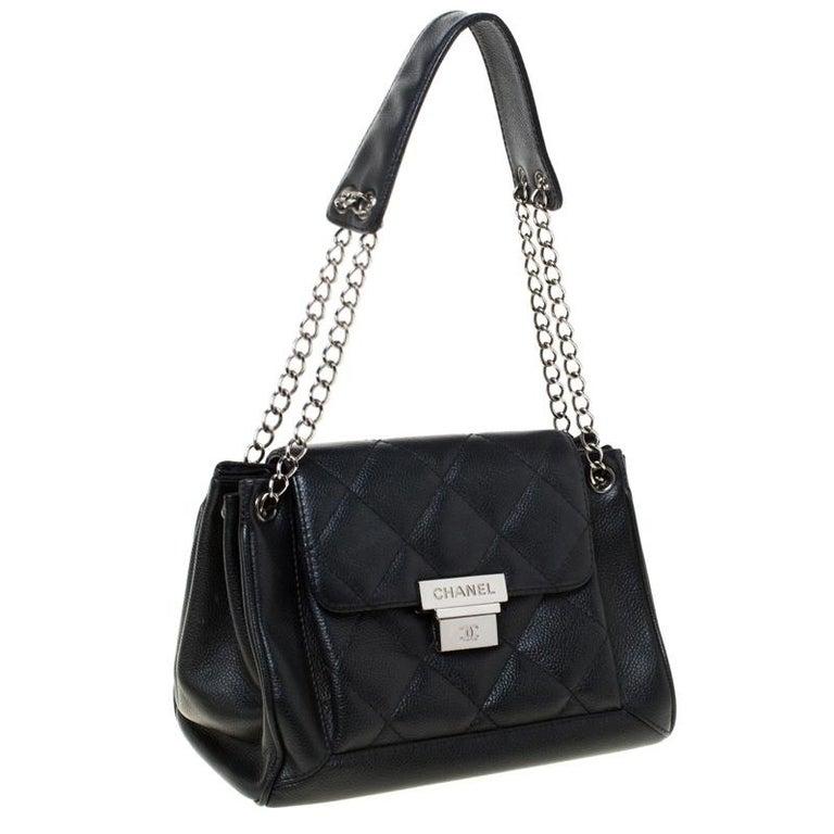 Chanel Black Quilted Leather Accordion Push Lock Flap Bag In Good Condition In Dubai, Al Qouz 2
