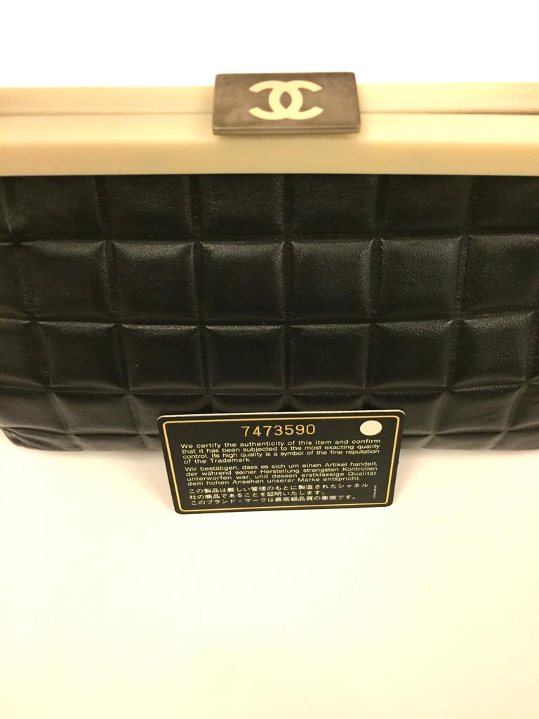 Chanel black quilted leather chocolate bar handle bag For Sale 4