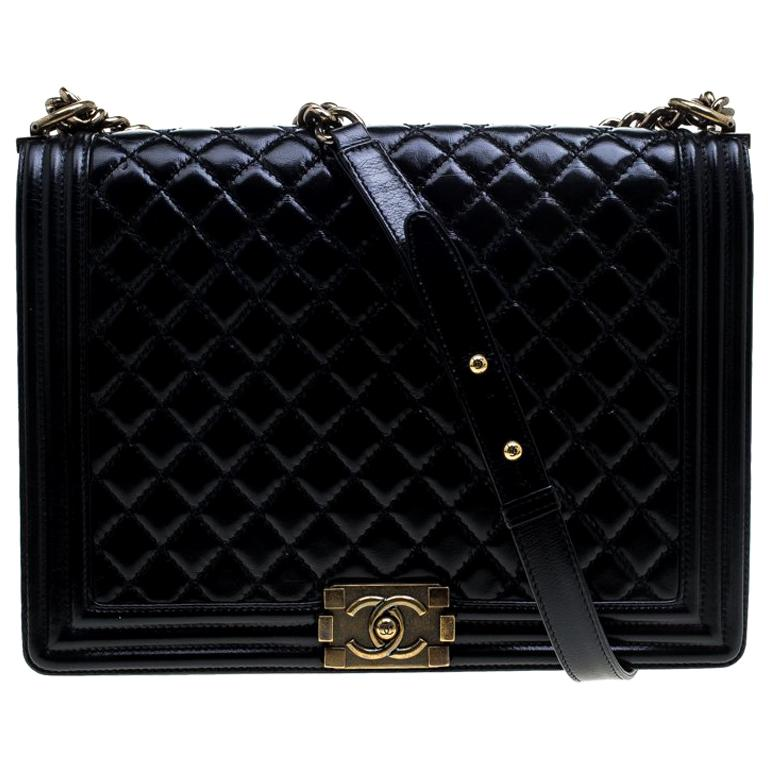 24d8f69fe0bd2d Chanel Black Quilted Leather Large Boy Flap Bag For Sale at 1stdibs