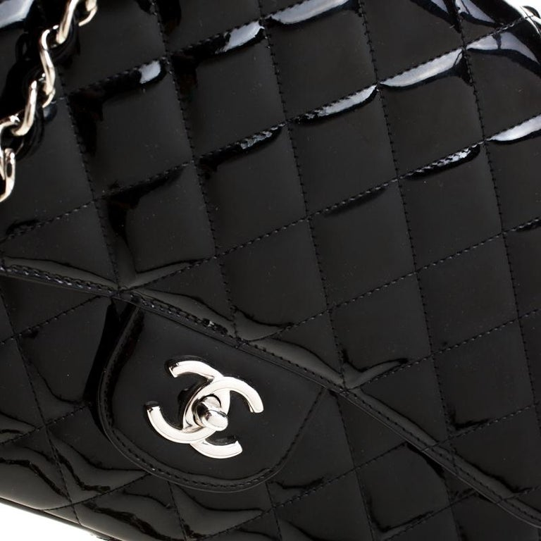 Chanel Black Quilted Patent Leather Jumbo Classic Single Flap Bag For Sale 1