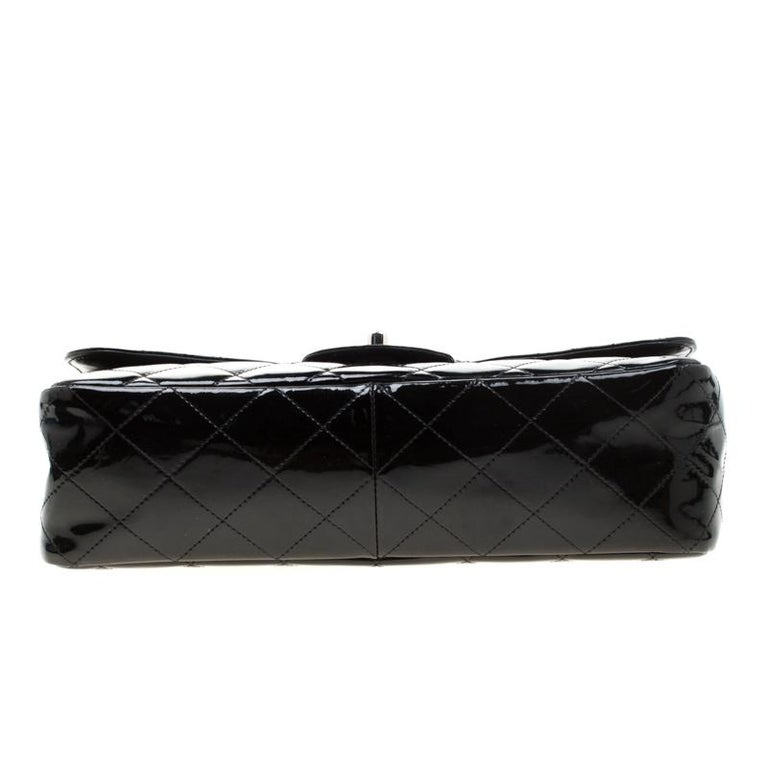 Chanel Black Quilted Patent Leather Jumbo Classic Single Flap Bag For Sale 4