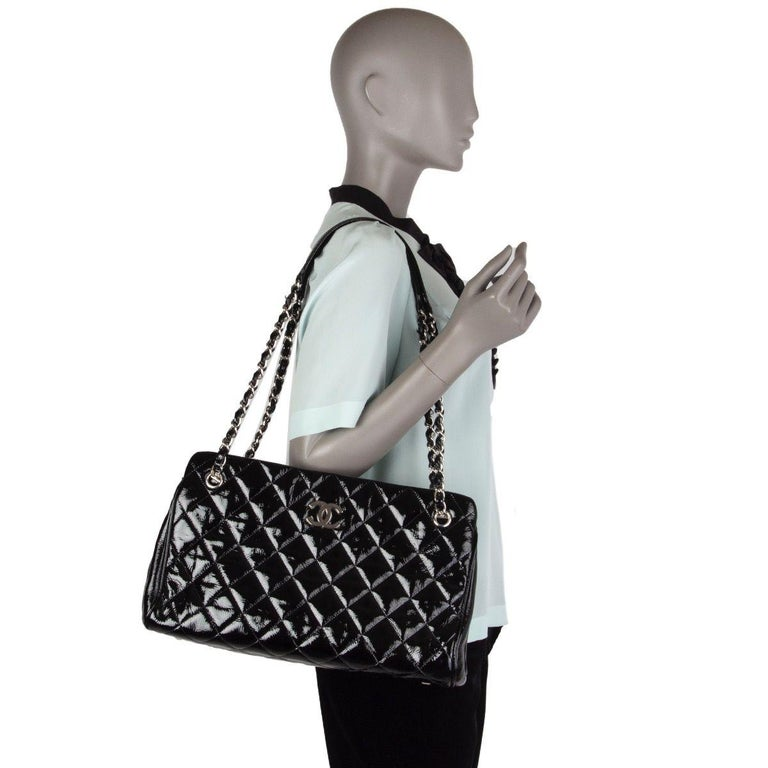CHANEL black quilted patent leather MADEMOISELLE Shoulder Bag For Sale 3