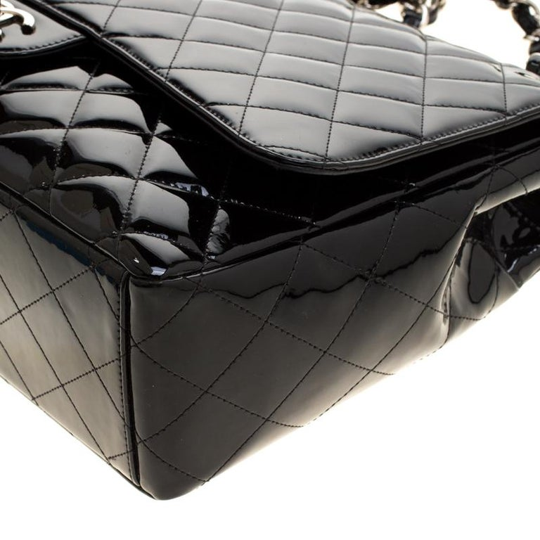 Chanel Black Quilted Patent Leather Maxi Classic Single Flap Bag For Sale 6