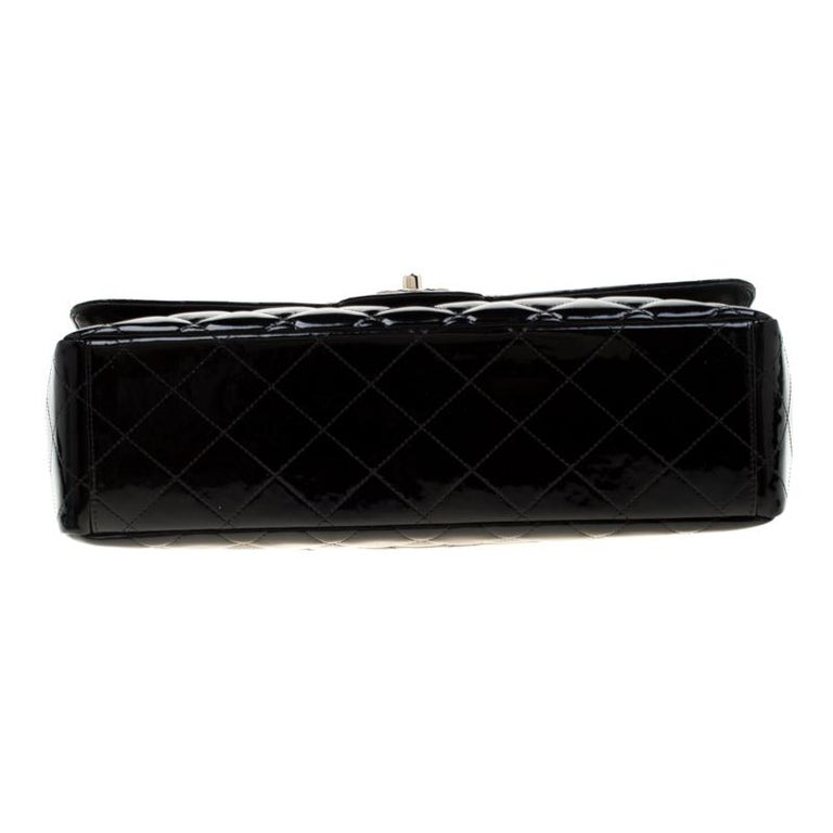 Chanel Black Quilted Patent Leather Maxi Classic Single Flap Bag For Sale 1