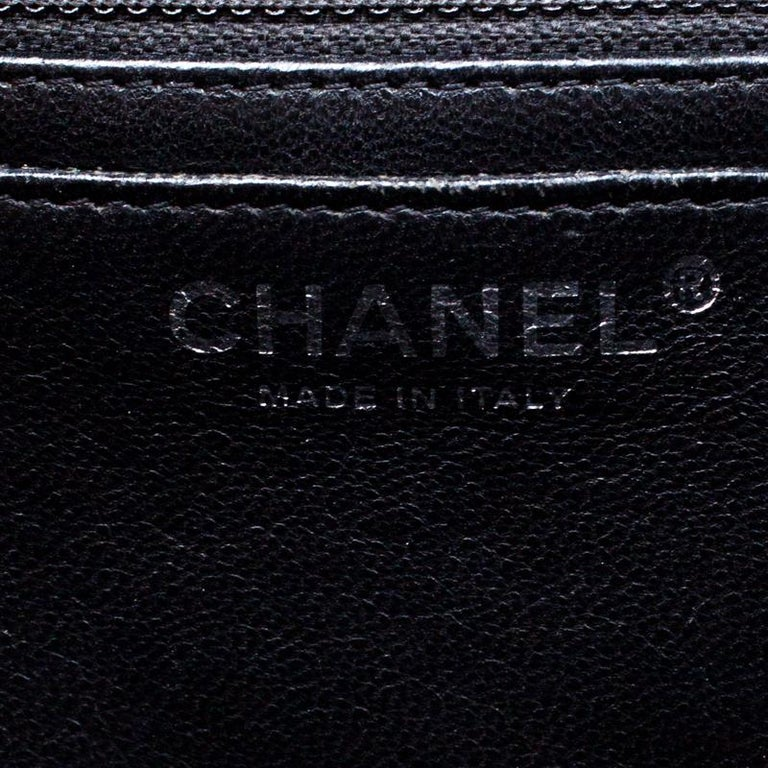 Chanel Black Quilted Patent Leather Maxi Classic Single Flap Bag For Sale 2