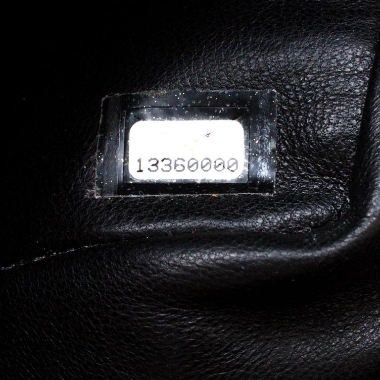 Chanel Black Quilted Patent Leather Maxi Classic Single Flap Bag For Sale 3