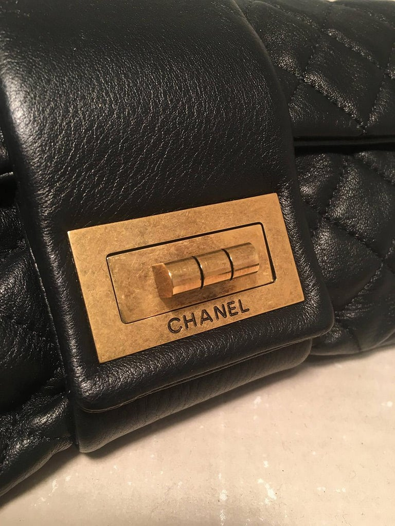 Chanel Black Quilted Sheepskin Leather 2.55 Reissue Mademoiselle Clutch For Sale 1