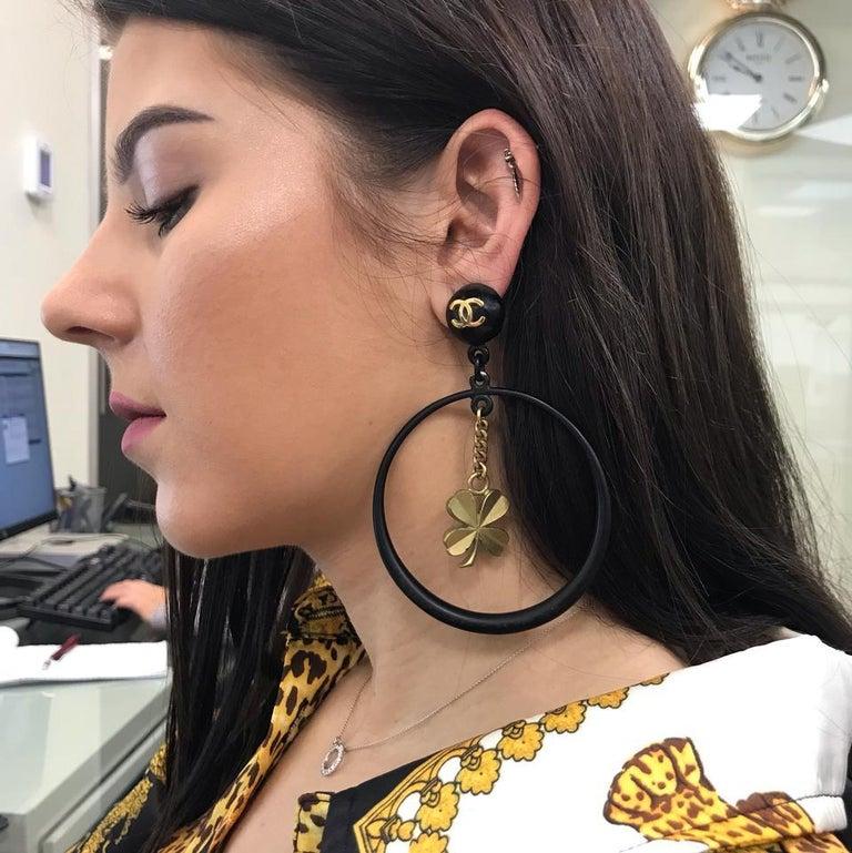 Chanel Black Rare Vintage Clover Dangle Hoop Clip-On Earrings For Sale 3