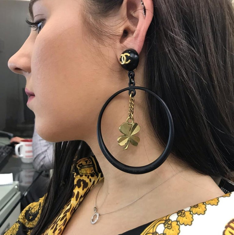 Chanel Black Rare Vintage Clover Dangle Hoop Clip-On Earrings For Sale 4
