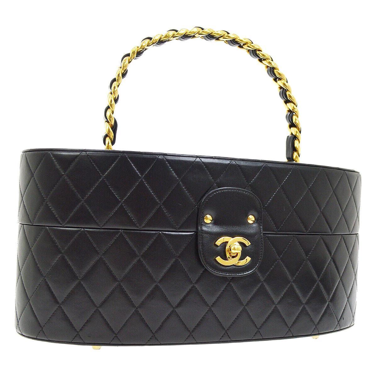 e8b2bdee3710 Vintage Chanel Purses and Handbags at 1stdibs