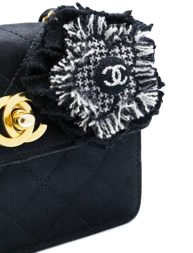 Chanel Black Silk Vintage Bag, 1990s In Excellent Condition For Sale In Lugo (RA), IT