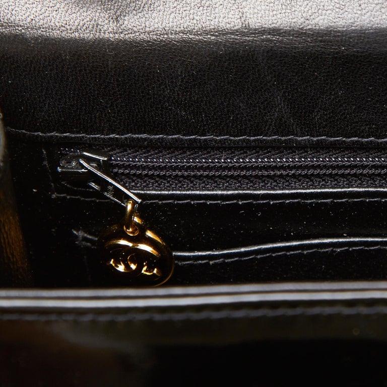 Chanel Black Snake Chain Patent Leather Shoulder Bag For Sale at 1stdibs 4d4845c43dea8