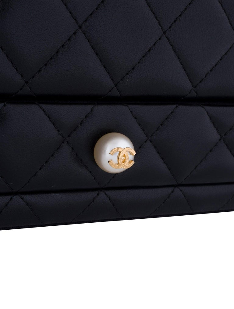 Women's or Men's Chanel Black Vanity Case Limited Edition Rare Jewelry Box Home Decor Cosmetic  For Sale