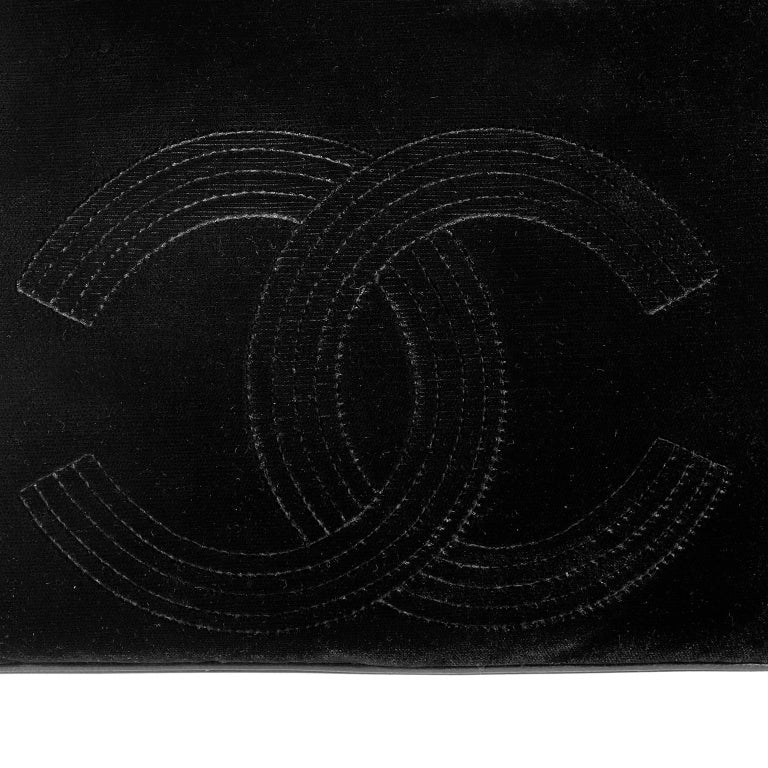 Chanel Black Velvet CC Vintage Tote For Sale 2