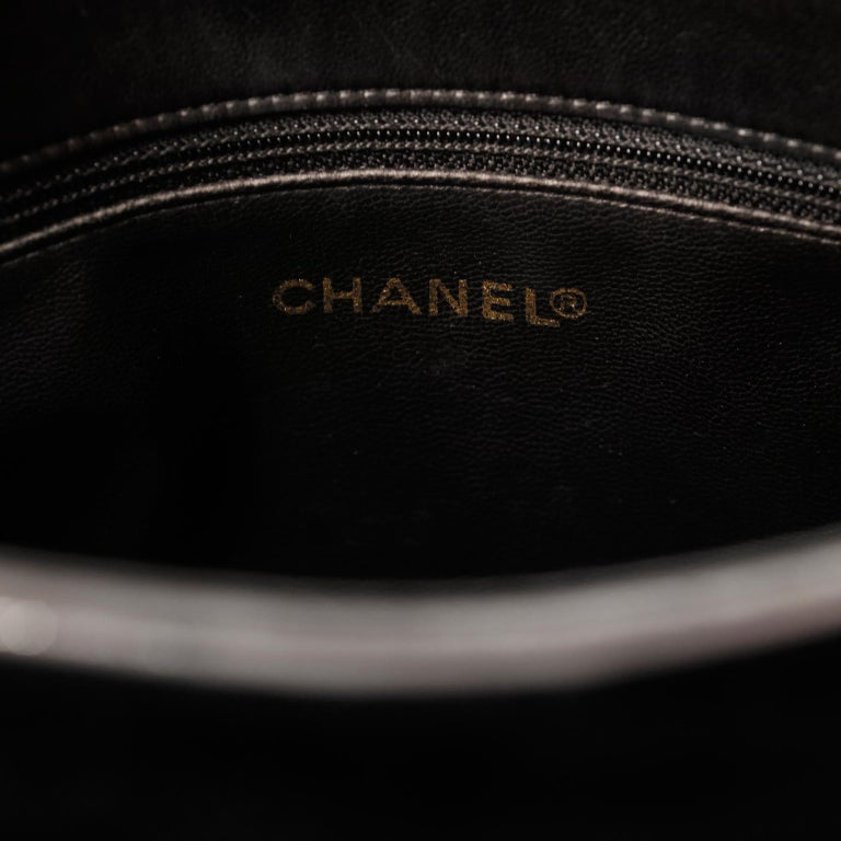 Chanel Black Velvet CC Vintage Tote For Sale 4
