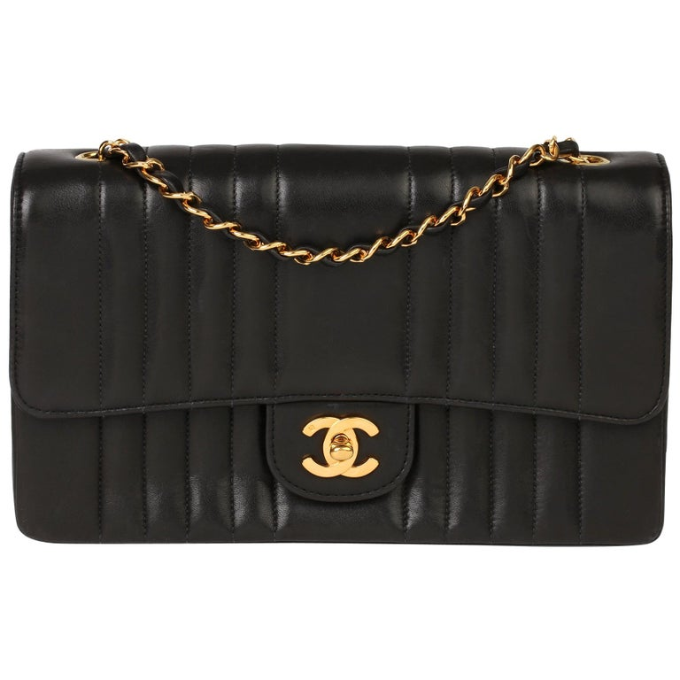 Chanel Black Vertical Quilted Lambskin Vintage Classic Single Flap Bag For Sale