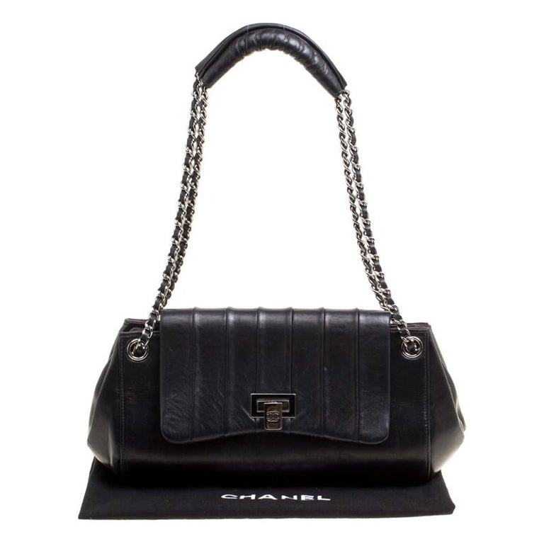 Chanel Black Vertical Quilted Leather Accordion Flap Bag For Sale 8