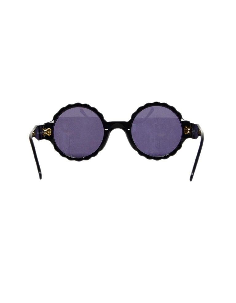 Women's Chanel Black/White Acetate Scalloped Round Sunglasses For Sale