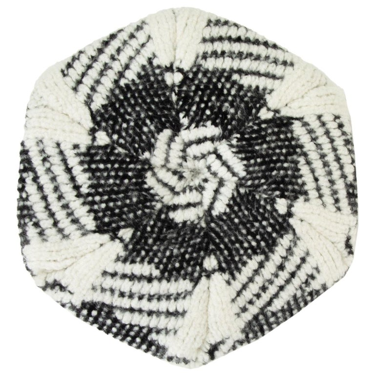 CHANEL black & white cashmere blend KNIT BERET Hat M For Sale
