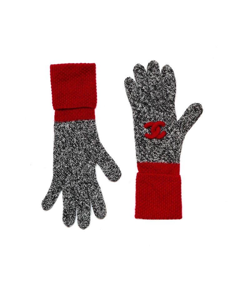 Women's or Men's Chanel Black & White Cashmere Knit Hat/Scarf/Gloves w/ Red Trim & CC For Sale