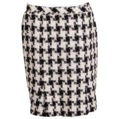 CHANEL black & white cotton blend HERRINGBONE BOUCLE TWEED Pencil Skirt 44 XL