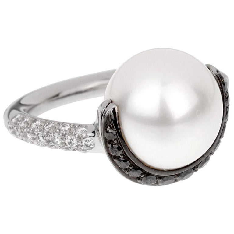 Chanel Black White Diamond Pearl Platinum Ring For Sale
