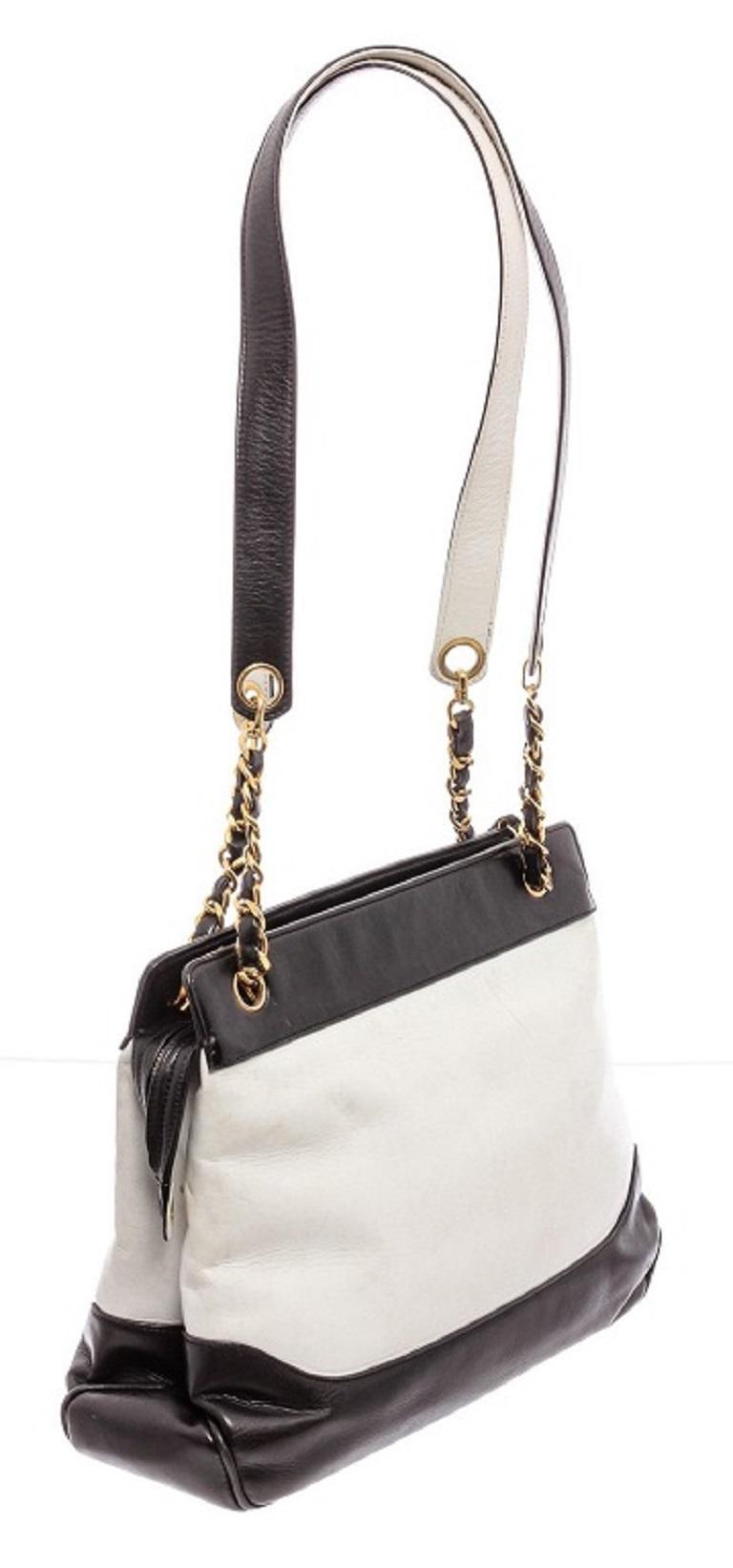 Chanel Black White Two-Tone Leather Vintage Timeless CC Charm Shoulder Bag For Sale 2