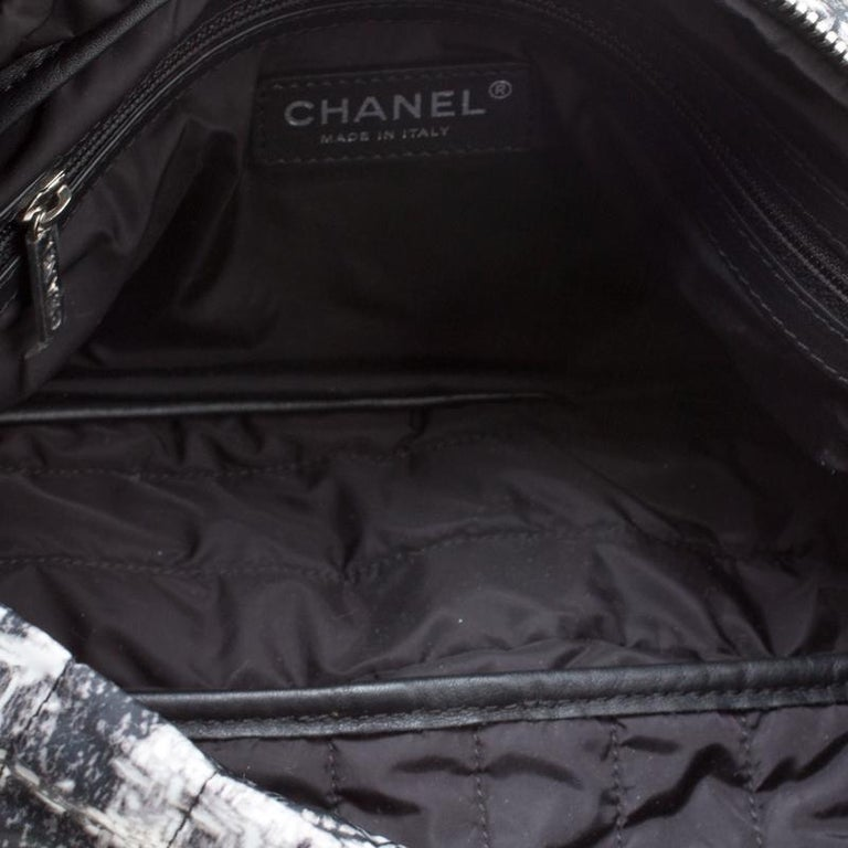 Chanel Black/White Vertical Quilted Tweed Print Soft Shell Flap Bag For Sale 2
