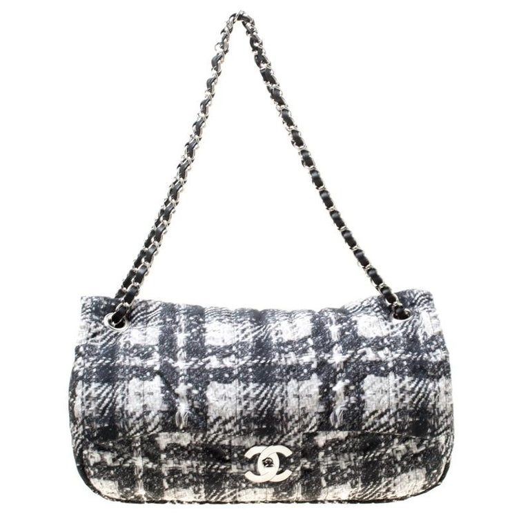 Chanel Black/White Vertical Quilted Tweed Print Soft Shell Flap Bag For Sale