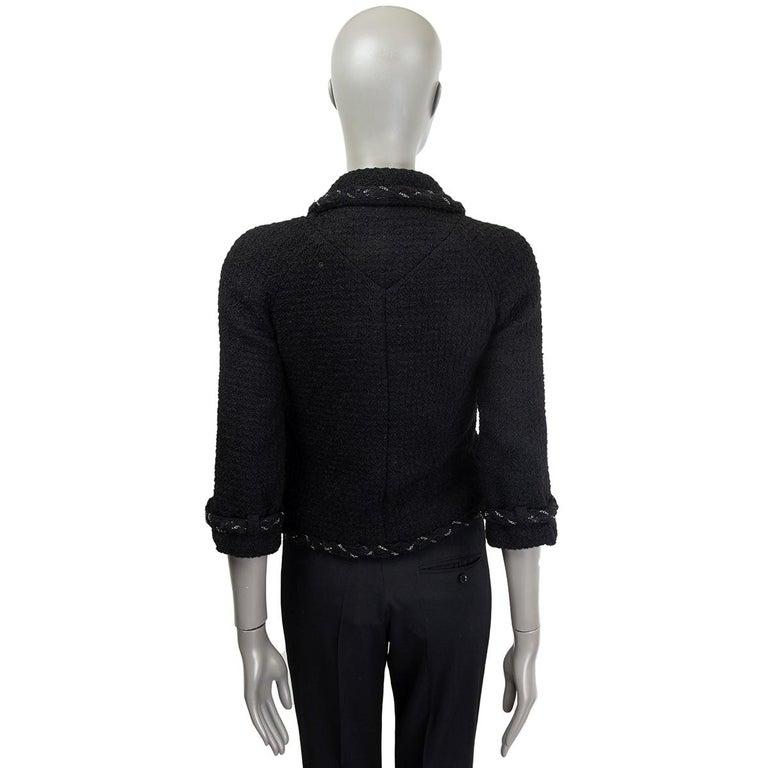 CHANEL black wool CHAIN BRAID TRIM Blazer Jacket 36 XS In Excellent Condition For Sale In Zürich, CH