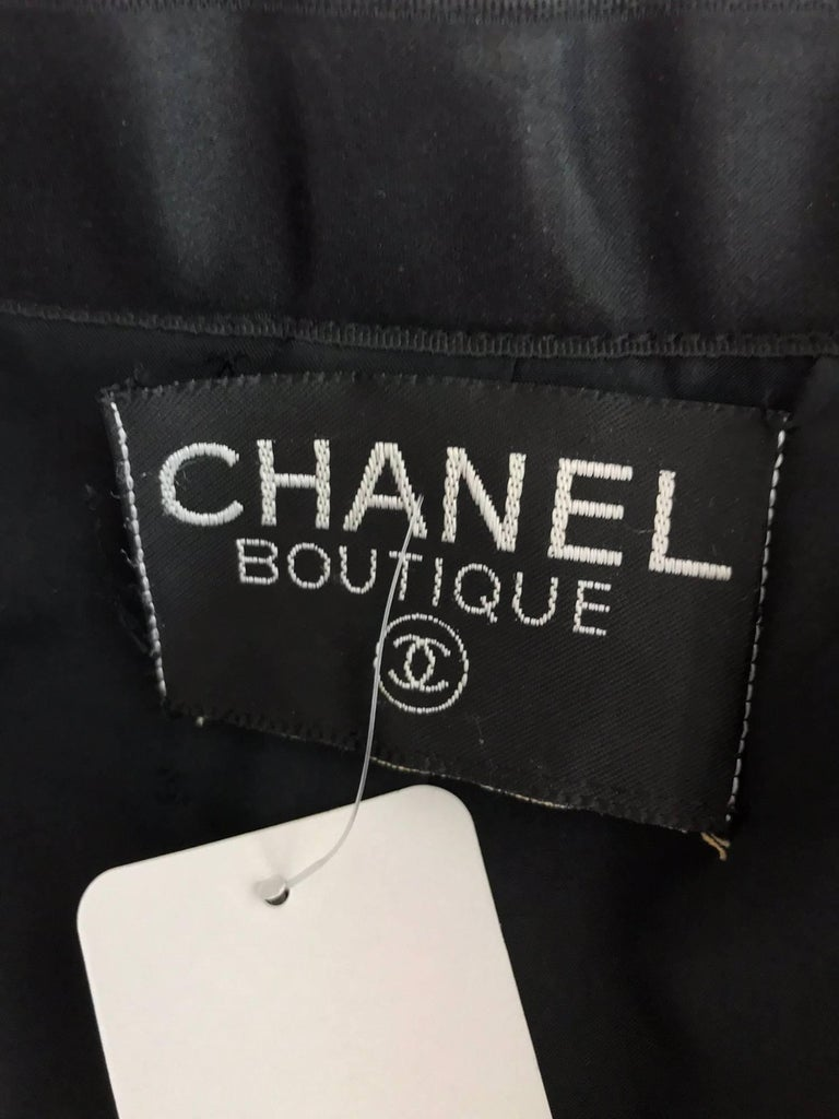 Chanel black wool satin trimmed skirt suit 1990s For Sale 5