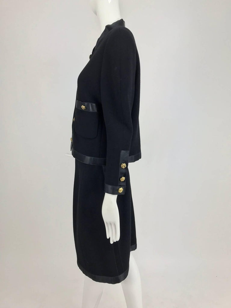 Chanel black wool satin trimmed skirt suit 1990s For Sale 3