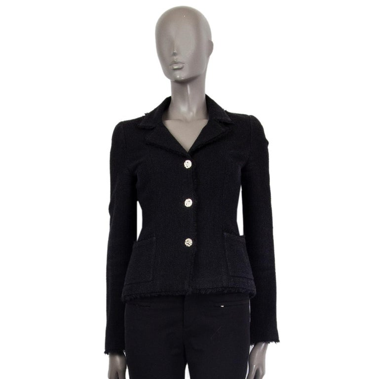 CHANEL black wool & silk THREE BUTTON Blazer Jacket 36 XS In Excellent Condition For Sale In Zürich, CH