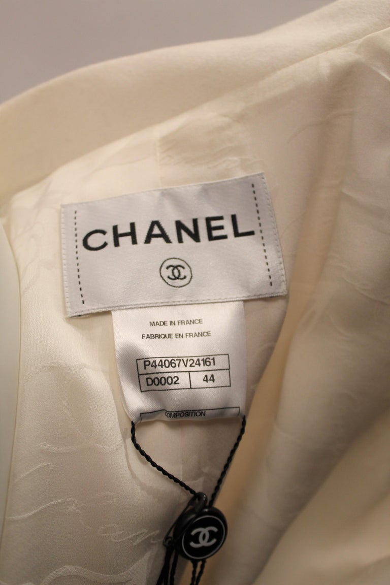 Chanel Blazer  For Sale 3