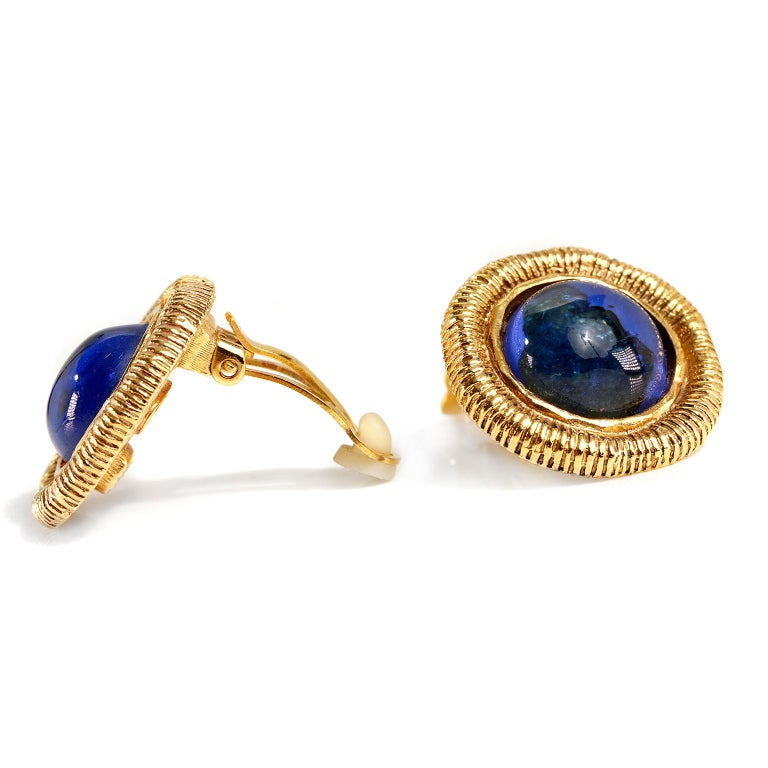 Women's Chanel Blue Gripoix Gold Clip On Earrings For Sale