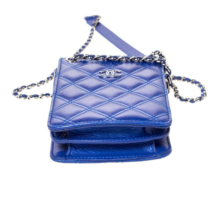 Chanel Blue Quilted Leather Crossbody Phone Holder For Sale 1