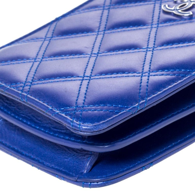 Chanel Blue Quilted Leather Crossbody Phone Holder For Sale 2