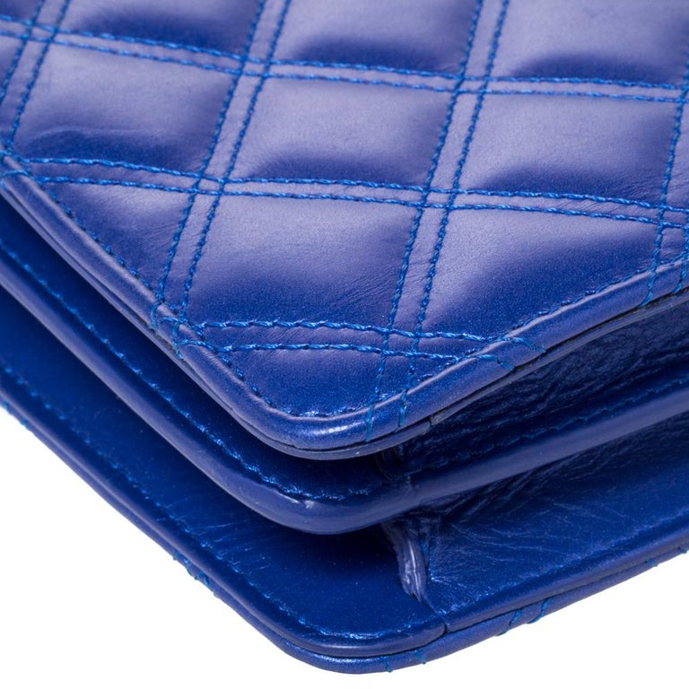 Chanel Blue Quilted Leather Crossbody Phone Holder For Sale 3