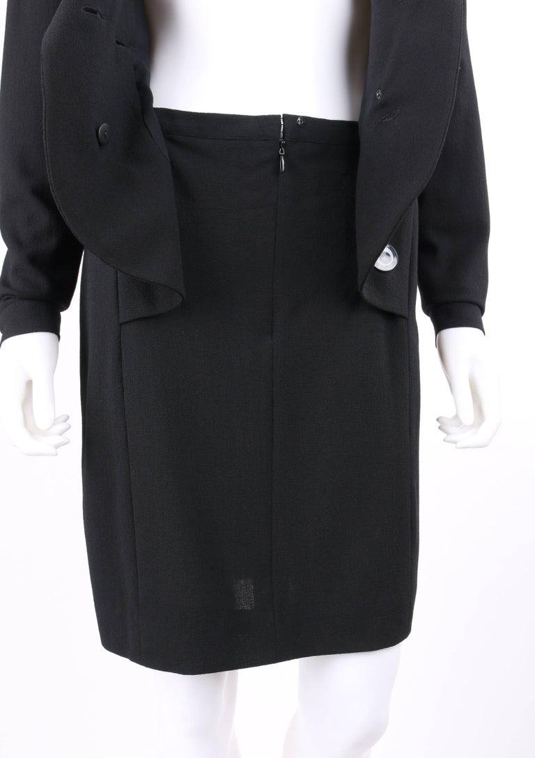 CHANEL Boutique c.1980's Black Wool Crepe Double Breasted One Piece Dress Suit For Sale 2