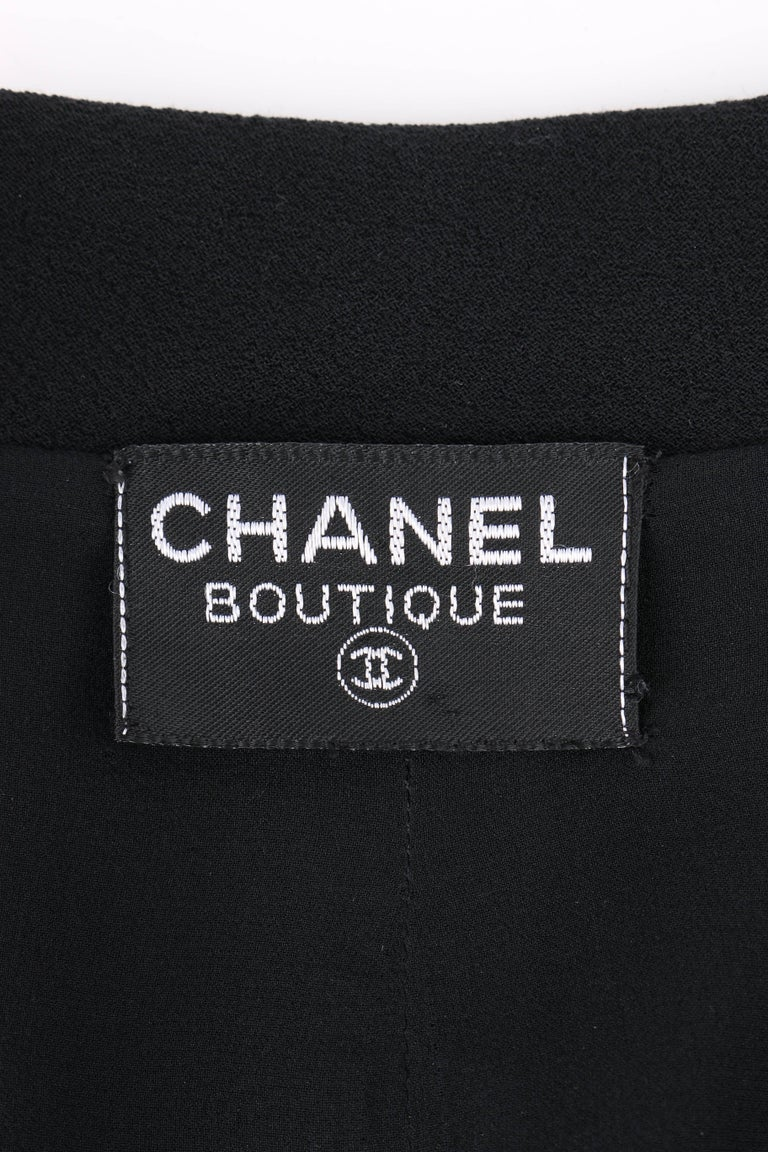 CHANEL Boutique c.1980's Black Wool Crepe Double Breasted One Piece Dress Suit For Sale 3