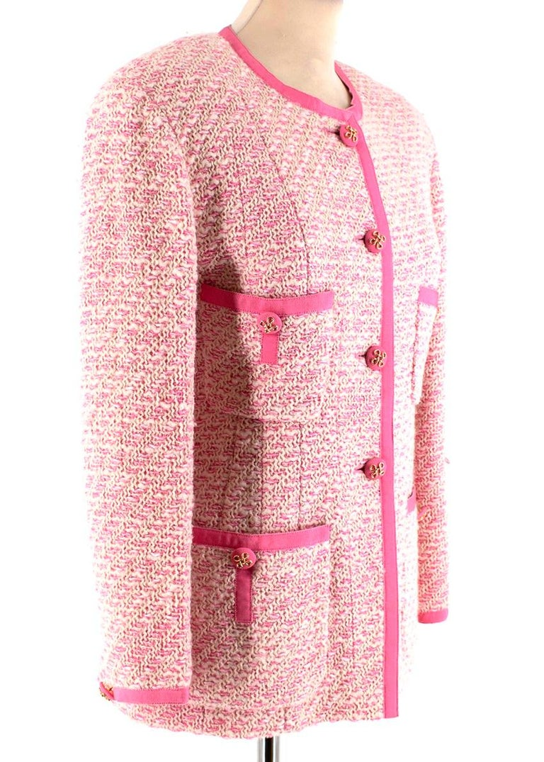 Chanel Pink Boucle Blazer Cc Logo Runway Lesage Tweed Knit  - Material: Tweed - Colour: Pink - Size: 38 FR Size guide - Style: Vintage - Gold Buttoned Detailing  - x4 Outer Pockets   Fully lined in camellia logo pink silk, with front buttoned