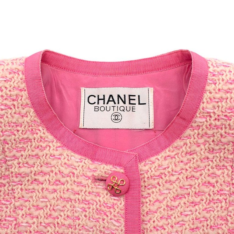 Women's or Men's Chanel Boutique Classic Pink & Yellow Tweed Tailored Jacket - Size US6 For Sale