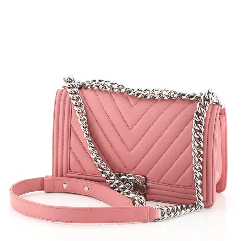 Chanel Boy Flap Bag Chevron Calfskin Old Medium In Good Condition For Sale In New York, NY