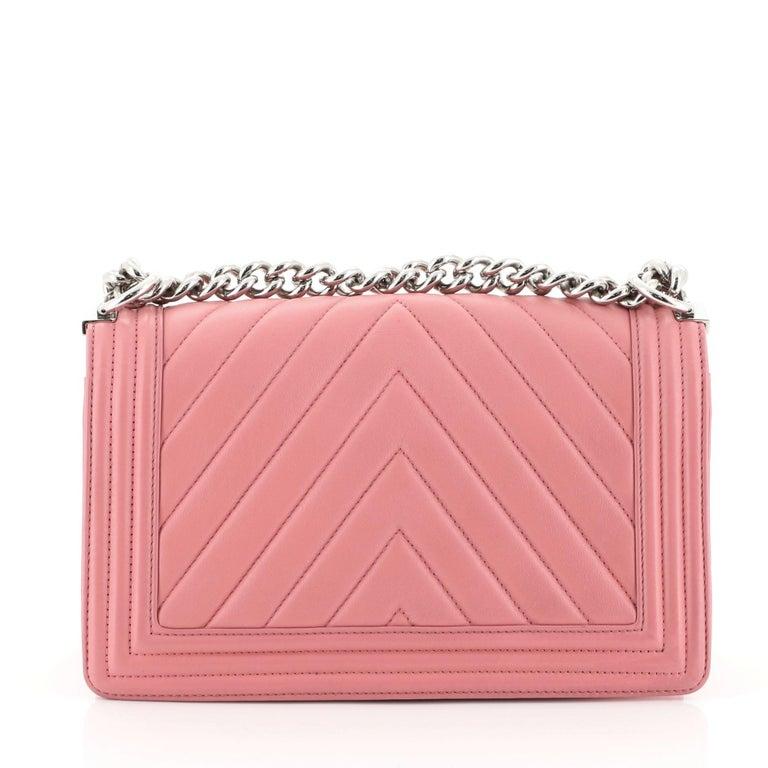 Women's Chanel Boy Flap Bag Chevron Calfskin Old Medium For Sale
