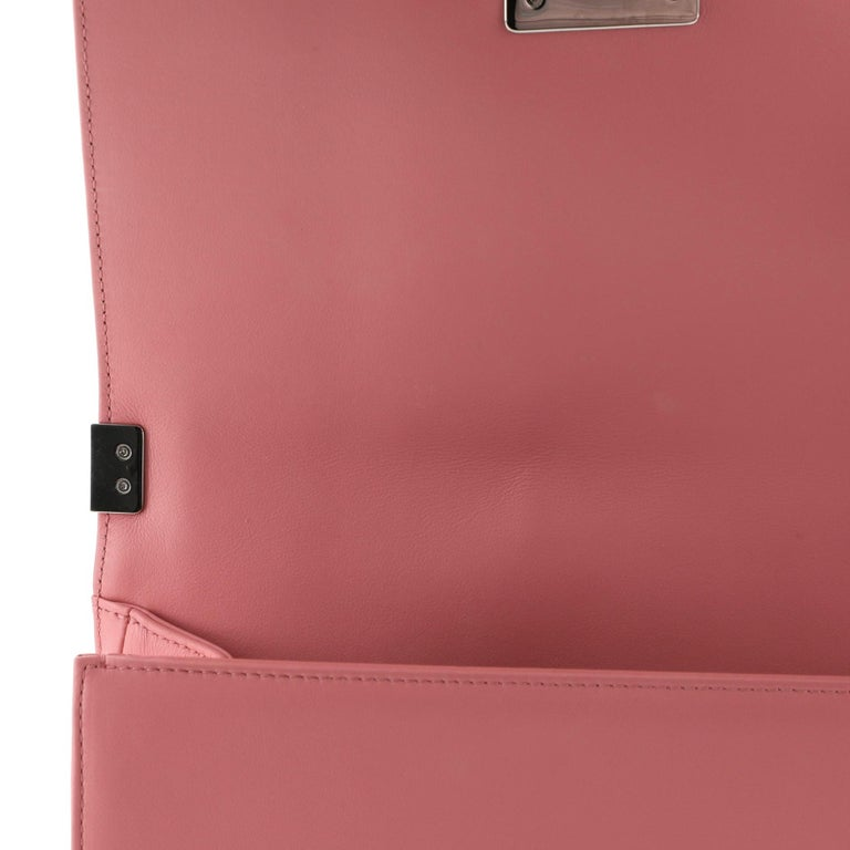 Chanel Boy Flap Bag Chevron Calfskin Old Medium For Sale 2