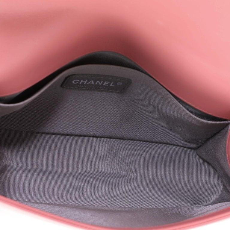 Chanel Boy Flap Bag Chevron Calfskin Old Medium For Sale 4