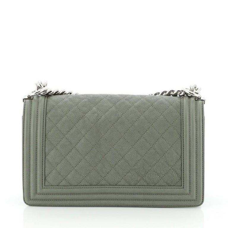 Chanel Boy Flap Bag Quilted Caviar Old Medium In Good Condition For Sale In New York, NY