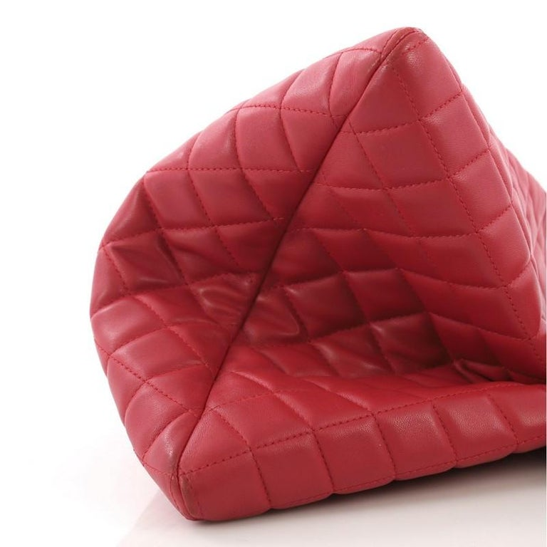 8619350f1247 Chanel Boy O Case Clutch Quilted Lambskin Medium For Sale at 1stdibs